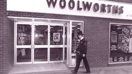 A police officer outside Woolworths in King's Lynn. Date: 24 March 1994 . Soucre: Archant Library