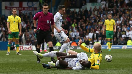Steven Naismith of Norwich is sent off by Referee Tony Harrington for his challenge on Ronaldo Vieir