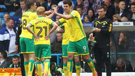 Nelson Oliveira of Norwich celebrates scoring his sides 3rd goal during the Sky Bet Championship mat