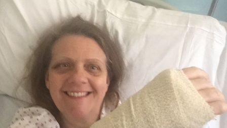 """Debbie Glibbery, of Essex, praises north Norfolk's """"community spirit"""" after falling and breaking her"""