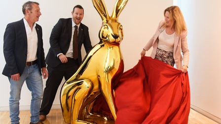Sheridan Smith from Intu Chapelfield unveils the first decorated GoGoHare, Osc-hare. With her is Mic