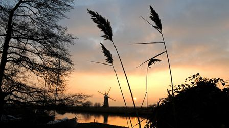 Sunset over the River Thurne on the Norfolk Broads as the end of 2008 draws to a close. Norfolk Broa