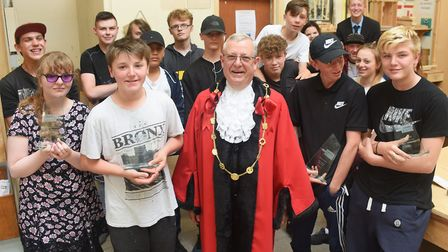 Award winning students at St Eds, Oak Street, and the Lord Mayor, David Fullman. From left, front, t