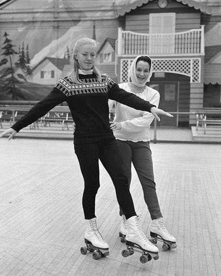 GY/EVENTS ROLLER-SKATING COMPETITION - WINTER GARDENS DATED 1967 NEG 1000