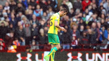 Ivo Pinto makes an early exit after his second yellow card. Picture: Paul Chesterton/Focus Images L