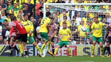 Aiden McGeady scores Sunderland's second in a 3-1 Championship win at Carrow Road against Norwich Ci