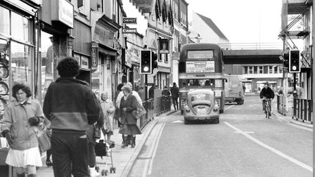 Norwich Streets -- M Magdalen Street Dated -- 17 November 1993 Photograph -- C3808