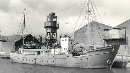 lightships & light vessels. Pictured: Lynnwell lightship at Yarmouth. date: 17 or 18 mar 1977. 9 In