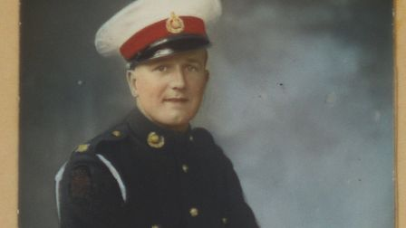 D-Day veteran Roland Worth (here pictured at the end of his service in 1947) has been awarded the le