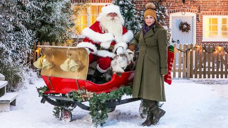 Kirstie Allsopp gets ready to craft Christmas to death