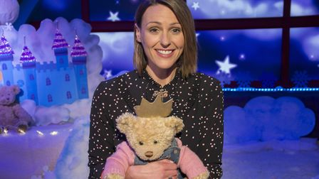 Is there a syringe behind that bear? Suranne Jones shrugs off Gemma Foster to read a bedtime story o