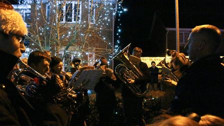 More than 800 people gathered in Paget Adams Drive in Dereham to enjoy a community carol service to