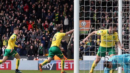 Timm Klose of Norwich celebrates scoring his side's equalising goal during the Sky Bet Championship