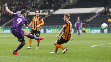 Nelson Oliveira shoots against Hull and is annoyed that a corner isn't given for a deflection. Pictu