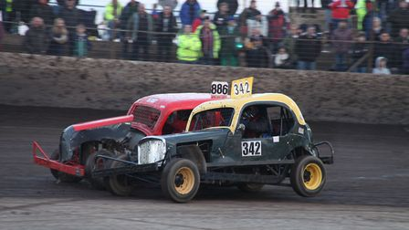 Ross Taylor and Brian Owen (886) clash in the Heritage F2 Stock Cars last year. Picture: Dave Bastoc