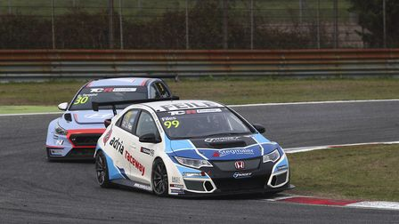 Josh Files in typical 2017 position -– leading the TCR field, with his Honda Civic, with former Gran