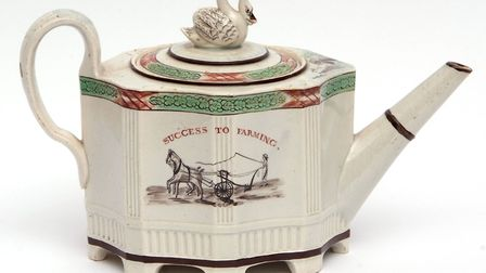 Pearlware silver shape teapot by Absolon of Yarmouth, 2600