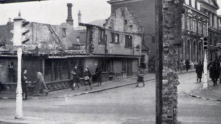 THE BOAR'S HEAD AFTER THE BLITZ collect 18/2/00 Norwich air raids