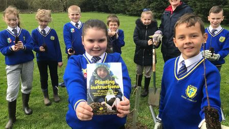 Artist Nicola Marray-Woods led a tree-planting project for Year 4 children at Howard Junior School.