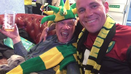 Peter Barnes with his father during the playoff final of 2015