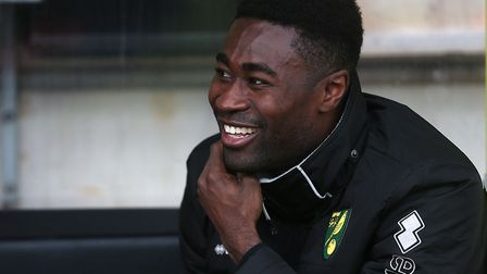 Alex Tettey has signed a new contract at Norwich City, keeping him at the club for two more years. P