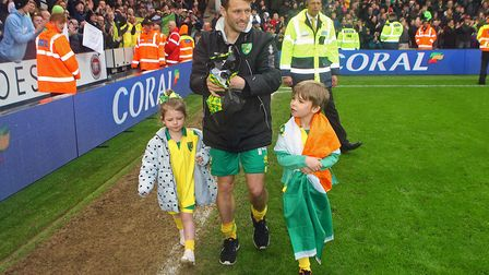 Wes Hoolahan says goodbye to the Carrow Road faithful alongside his two children. Picture: Paul Ches