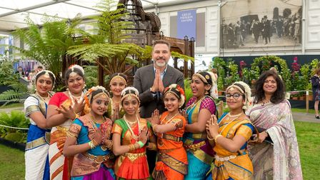 David Walliams with youngsters from Taal-Rasa-Bhava Dance Academy at the Chelsea Flower Show Picture