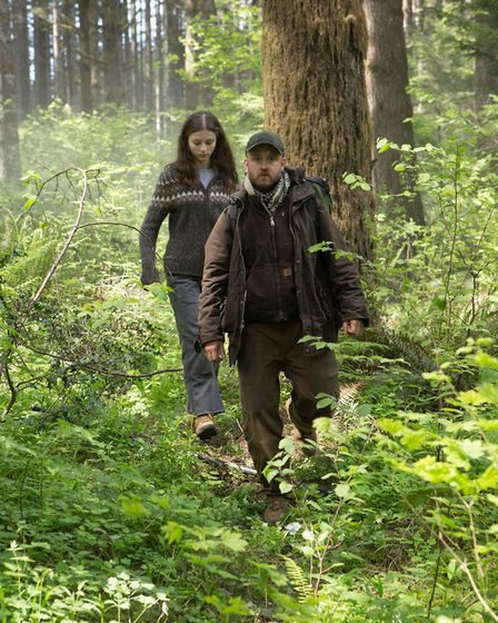 Thomasin Harcourt McKenzie as Tom and Ben Foster as Will in Leave No Trace. Photo: CTMG, Inc