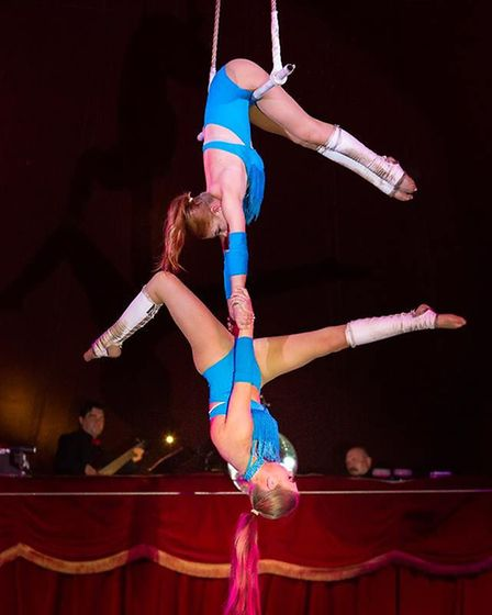 The Packham Sisters at Circus Fantasia. Picture: www.mikekwasniak.co.uk/