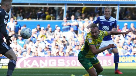 Ian Holloway is confident Jordan Rhodes can help replace the goal threat of James Maddison at Norwic