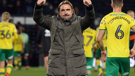 Daniel Farke thanks the travelling City supporters at Pride Park after Wednesday night's draw at Der