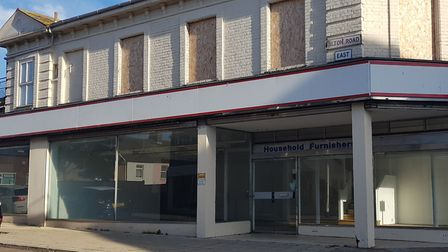 The alarm has been ringing at an empty Lowestoft store on the corner of Milton Road East and London