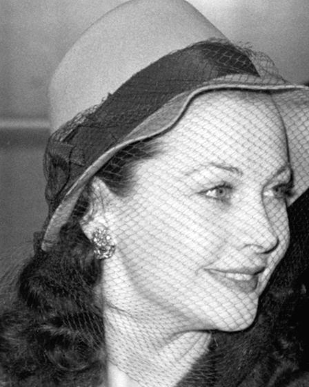Lady Olivier (Vivien Leigh) is wished bon voyage at Euston Station, London, for the first stage of t