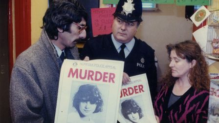 EDP news editor Paul Durrant (left) joining the poster campaign to find Johanna's killer in 1993. Ph