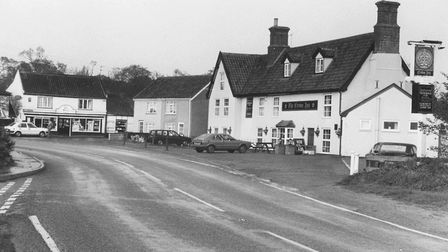 Places - HPublic HousesThe Crown Inn, public house and in the background of the picture is The Sto