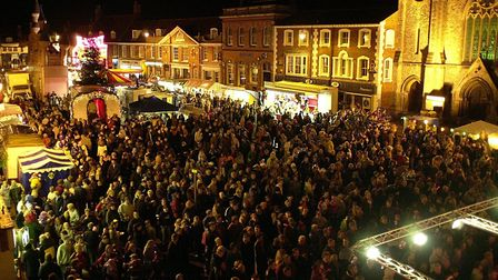 Crowds of people fill Dereham town centre for the annual switch on of the Christmas Lights.<Copy:Ian