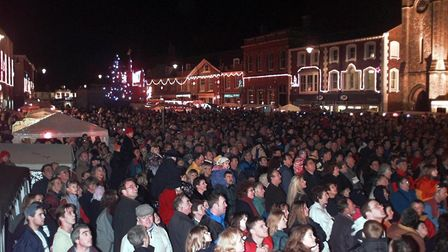 (4/5EDI) Dereham market place packed for the christmas lights switch on.