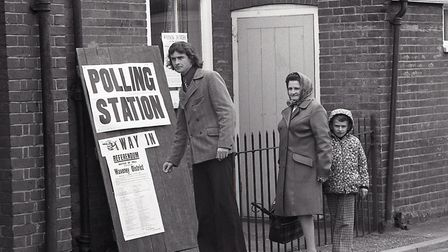 ECC Referendum day in Bungay, 5 June 1975. Photo: Archant Library