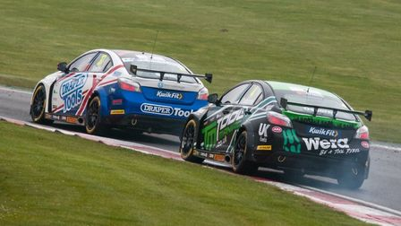 The pair of EXCELR8 Motorsport MG6s at the opening round of the KwikFit British Touring Car Champion