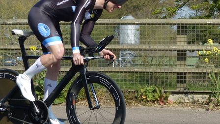Men's winner Jason Bouttell powers away from the start at the Great Yarmouth CC Good Friday10 Pictur