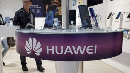 Chinese tech giant Huawei has reportedly been given the go ahead to help build Britains new 5G netw