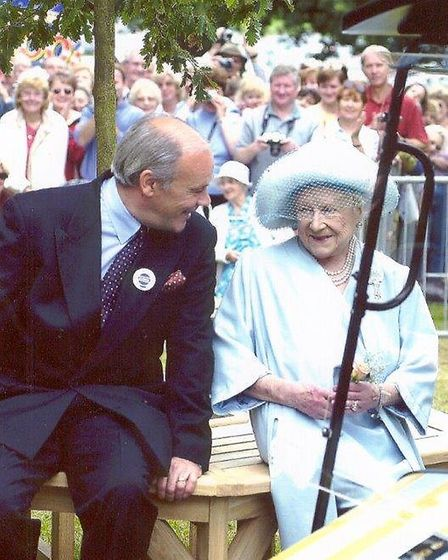 David Reeve with the Queen Mother at Sandringham Flower Show 2000