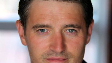 Tom Chambers stars in Dial M for Murder