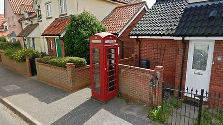 Mobile phones has seen the use of payphone fakll by 90%. BT wants to remove phone boxes including th