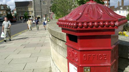 SB_3_POSTBOX.JPGTHE POST BOX RETURNS TO ST PETERS STREET IN THE SHADOW OF CITY HALL AND ST PETER MAN