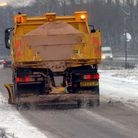 EADT NEWSA gritter on the snow covered A11 at Barton Mills.PICS MICHAEL HALLES 4 03 05