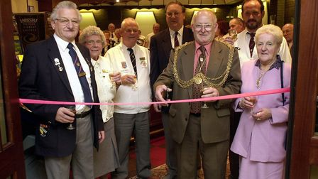 (1of2) Mercury story - Gt. Yarmouth Lord Mayor David Thompson cuts the ribbon to open the Gt. Yarmo
