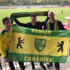 From L to R: Aaron Rodgers, Pete Barrett (Berlin Canaries) and David Powles