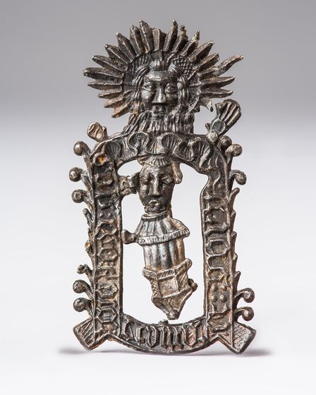 Richard Caister pilgrim badge. It would hav been bought by someone who had visited the shrine of th