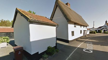 Plans for a new bungalow near the site of a 15th century listed building have been given the green l